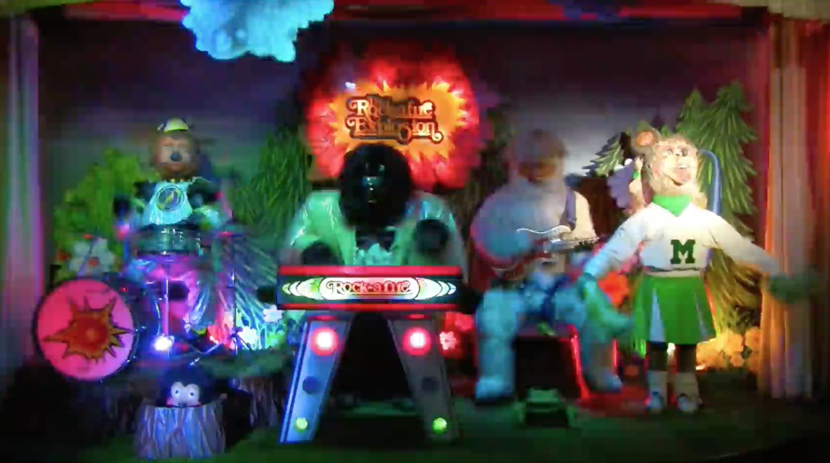 Rock-afire Explosion perform Firework!